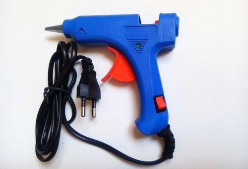 пистолет с запасом клея