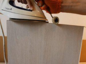 Приклеивание кромки утюгом