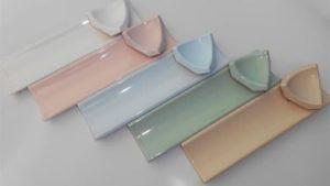 Инструкция как приклеить керамический или пластиковый бордюр
