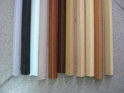 Пластиковые разноцветные уголки