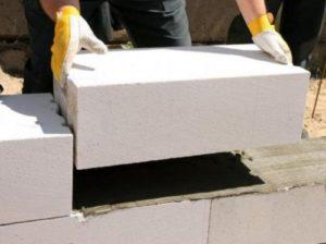 Укладка блоков на клей